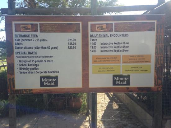 Giraffe House Wildlife Awareness Centre: Bring cash. No credit card facilities.