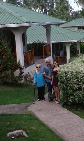 Hooked On Panama Fishing Lodge : My mom, brother and niece in front of our cabana