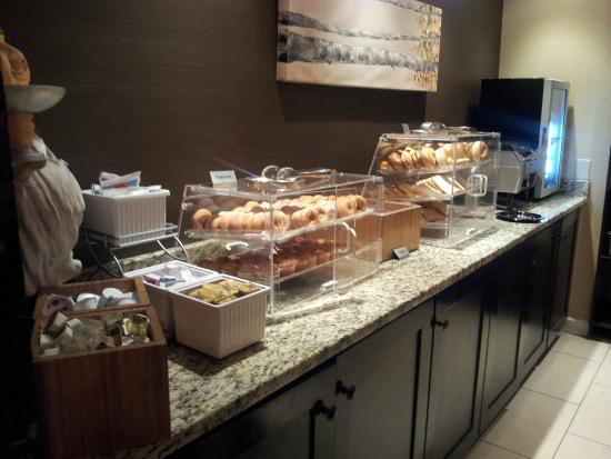 Inn At The Peachtrees Breakfast 1