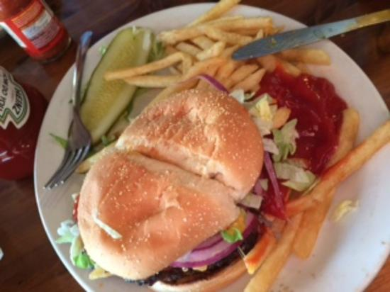 Ramshackle Cafe: cheeseburger with fries