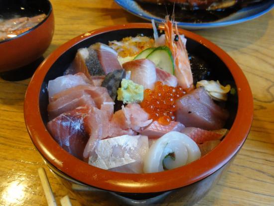 Sakana Ryori Izu Shoin: 海鮮丼