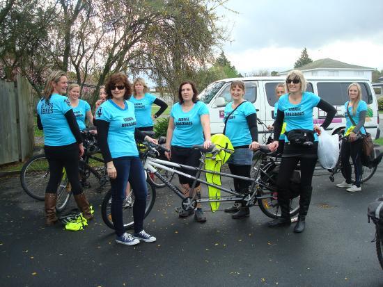 Bike 2 Wine : Group setting off