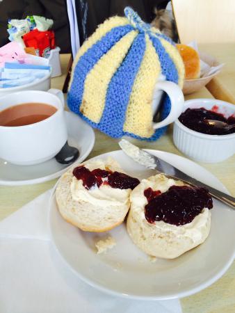 Dartmouth Castle Tea Rooms : The fluffiest scone I've ever eaten