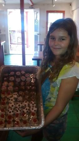 Fat Boy Treats: bday girl with her Bday Mini Cupcakes :)