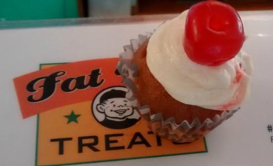 Fat Boy Treats : Mini Pina Colada Cupcake