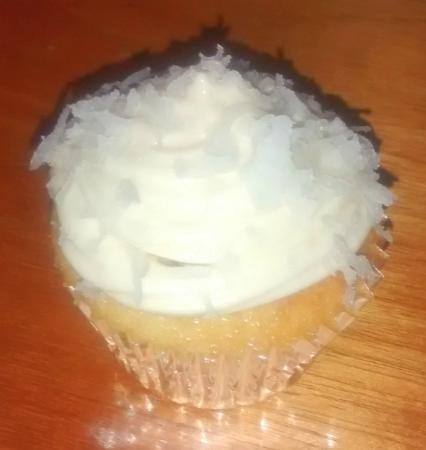 Fat Boy Treats : Coconut Cupcake