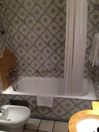 Josefa d'Obidos room - lovely little bathroom but inadequate: broken shower, cheap toiletries.