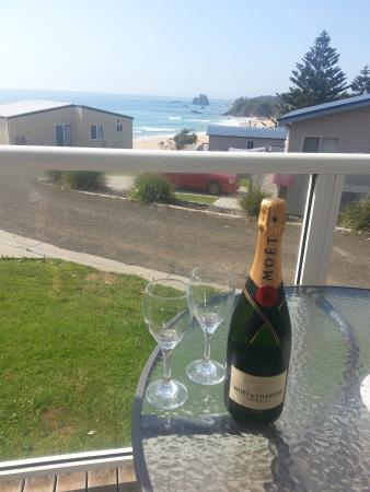Surfbeach Holiday Park: A Champagne View from Ace 4 front deck