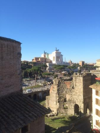 Made in Rome Bed&Breakfast: OUTSTANDING VIEW FROM THE ROOM