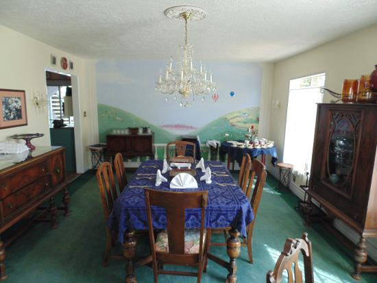 Plantation Bed & Breakfast: Dining Room