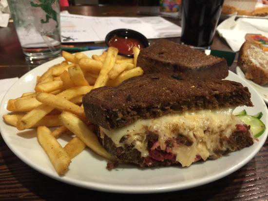 Maple Plain, MN: Best Reuben Ever!!