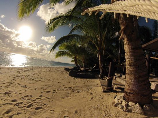 Magic Reef Bungalows: The beach at Magic Reef