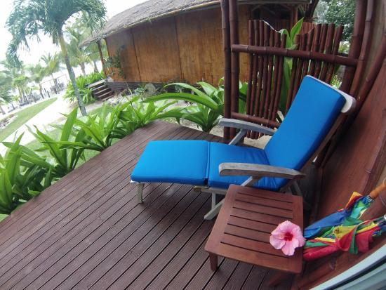 Magic Reef Bungalows: Bungalow front deck