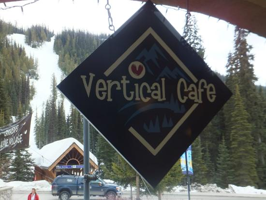 Vertical Cafe : View of the slopes from the cafe - beautiful!