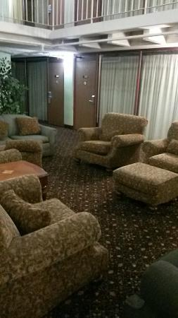 5th Avenue Inn & Suites: Comfortable
