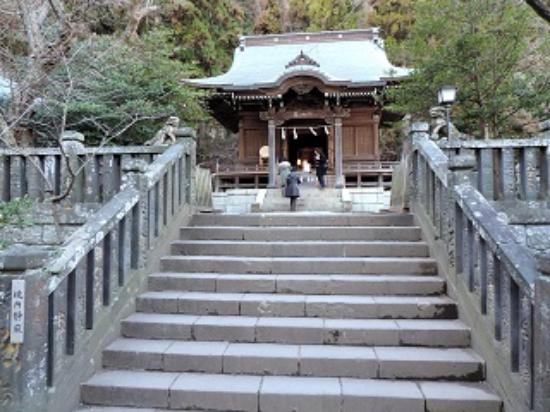 Goryo Shrine : 御霊神社