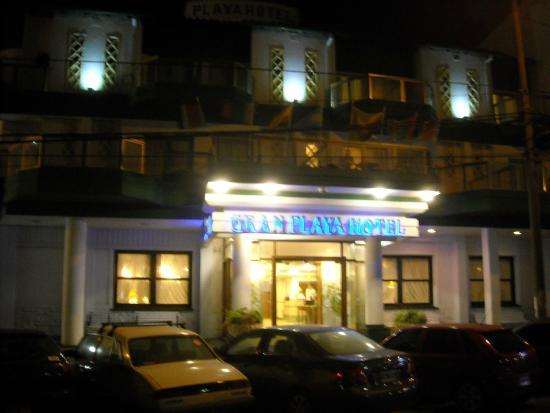 Gran Playa Hotel: Frente Hotel