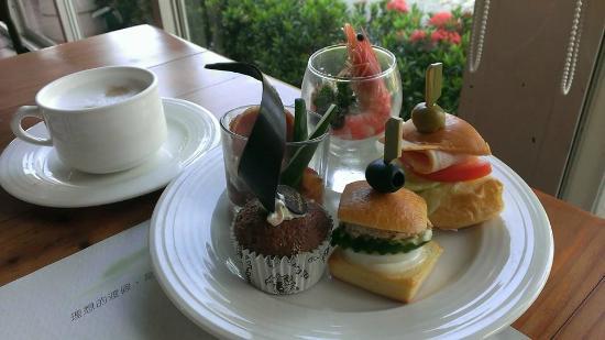 Promisedland Resort & Lagoon: 下午茶