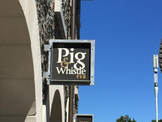 Pig And Whistle Pub : Good beer & good times