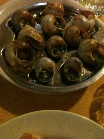 L'Echalote : escargots con echalote, perejil y mantequilla, como en Paris.