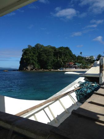 Campbell's Beach Resort : Private transfer boat from Manila.