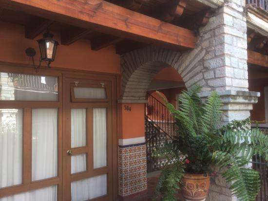 Socavon: Pasillos en el patio, Hotel Socavón