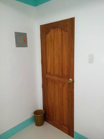 Palm Grove Saud Holiday Complex: room door