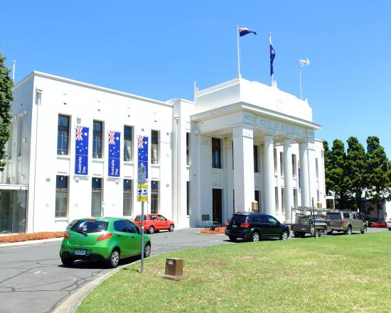 ‪Box Hill Town Hall‬