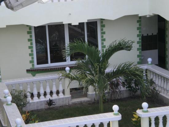 Prestige Holiday Resort : side view