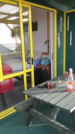 Punakaiki Beach Hostel : looking into bedroom
