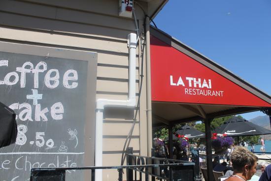 La Thai: out the front