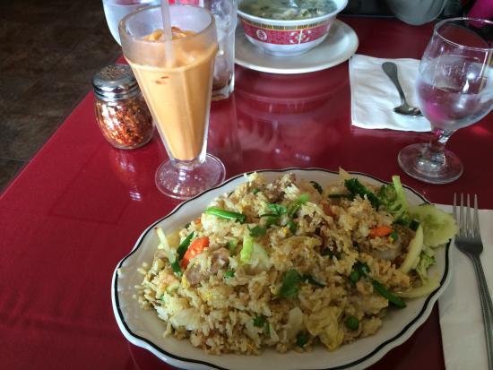 Royal Thai Cafe: Chicken Fried Rice w/ Thai Iced Tea!