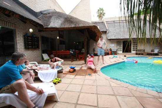 Lion's Guesthouse: Pool