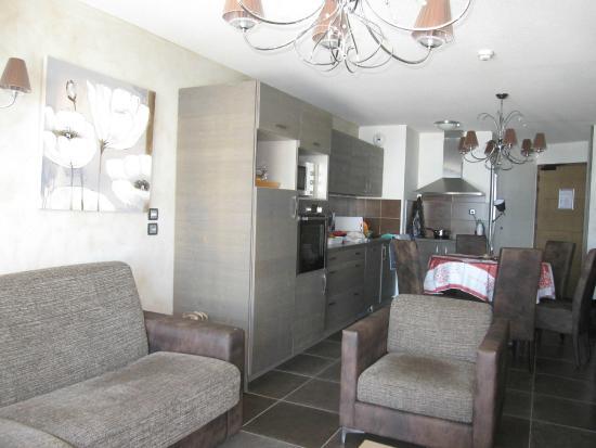Residence Les Balcons de Val Thorens: Cuisine/ salle à manger/ espace à vivre