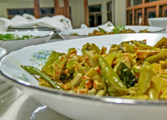 Traditional sri lankan cuisine foto di mahakanda for Authentic sri lankan cuisine