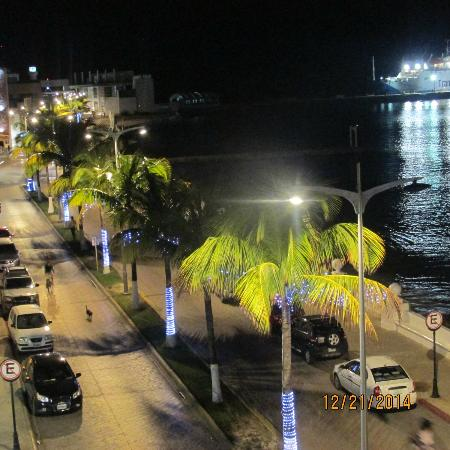 Suites Bahia: Overlooking the street