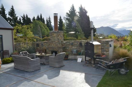 Websters on Wanaka Lodge: Terrace