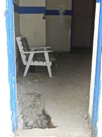 Auberge Menata: Flooring.....