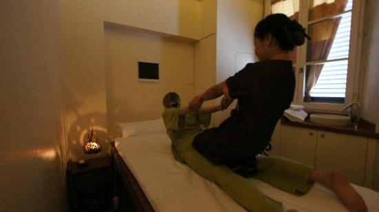 thai massage escort realescorte