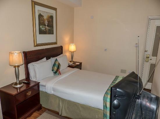 Addis Regency Hotel: habitación