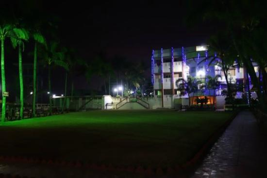 Sea Hawk Hotel : Night View from Play Area