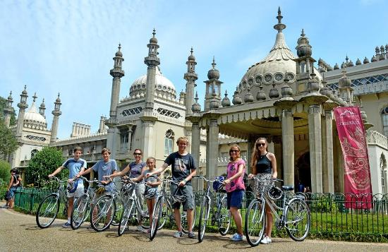 Brighton Bike Tours: The Palace in Brighton is beautiful.