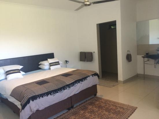 Moores End: Bedroom