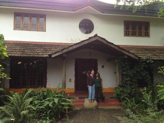 Villa Prakriti Homestay: Sarah and Meena