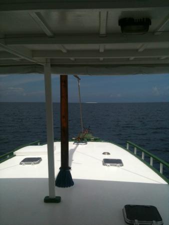 Cruise-Maldives: open sea