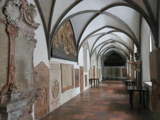 St.-Anna-Kirche: il monastero
