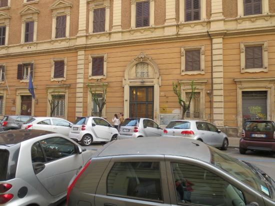 B&B Vatican Town: вход в отель