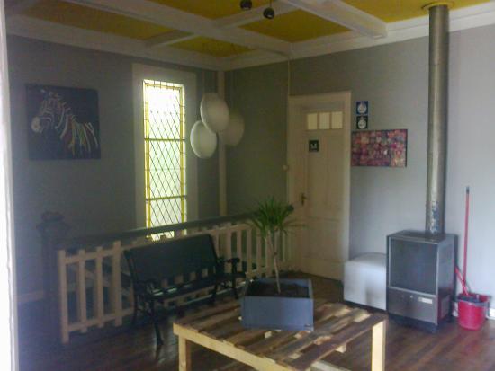 Kombi Hostel: Segundo Andar - Porta Quarto Brow