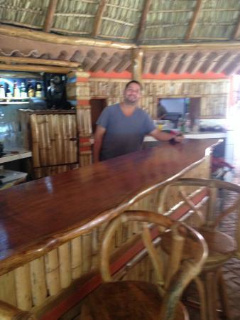 Seven Cave Bar & Grill : Bar