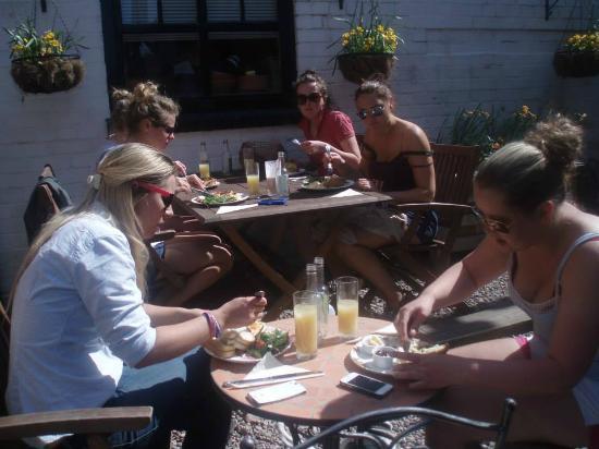 Ye Olde Steppes: Silence as food arrived